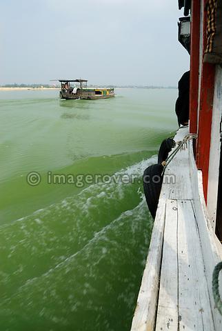 Asia, Vietnam, near Hoi An. Boat trip on the Thu Bon river nearing Hoi An.