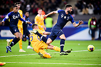 Olivier Giroud (Fra) vs Veaceslav Posmac (Mda) <br /> Paris 20191114 Stade De France  <br /> Football France - Moldavia <br /> Qualification Euro 2020 <br /> Foto JB Autissier / Panoramic/Insidefoto <br /> ITALY ONLY