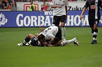 Malik Fathi (Hertha BSC Berlin) mit Sotirios Kyrgiakos (Eintracht Frankfurt, oben)