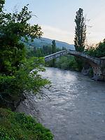 Tamar-Brücke (12.Jh.) über den Adschariszqali  bei Dandolo, Adscharien - Atschara, Georgien, Europa<br /> Tamr bridge near Dandolo, Adjara,  Georgia, Europe