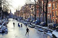 Schaatsen op de Bloemgracht in Amsterdam