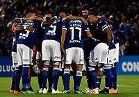 BOGOTÁ - COLOMBIA, 02-09-2018: Los jugadores de Millonarios (COL), antes partido de vuelta entre Millonarios (COL) y el Independiente Santa Fe (COL), de los octavos de final, llave A por la Copa Conmebol Sudamericana 2018, en el estadio Nemesio Camacho El Campin, de la ciudad de Bogotá. / The Players of Millonarios (COL), before a match of the second leg between Millonarios (COL) and Independiente Santa Fe (COL), of the eighth finals, key A for the Conmebol Sudamericana Cup 2018 in the Nemesio Camacho El Campin stadium in Bogota city. Photo: VizzorImage / Luis Ramírez / Staff.