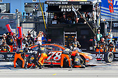 2017 Monster Energy NASCAR Cup Series - Kobalt 400<br /> Las Vegas Motor Speedway - Las Vegas, NV USA<br /> Sunday 12 March 2017<br /> Martin Truex Jr, Bass Pro Shops/TRACKER BOATS Toyota Camry pit stop<br /> World Copyright: Russell LaBounty/LAT Images<br /> ref: Digital Image 17LAS1rl_5625