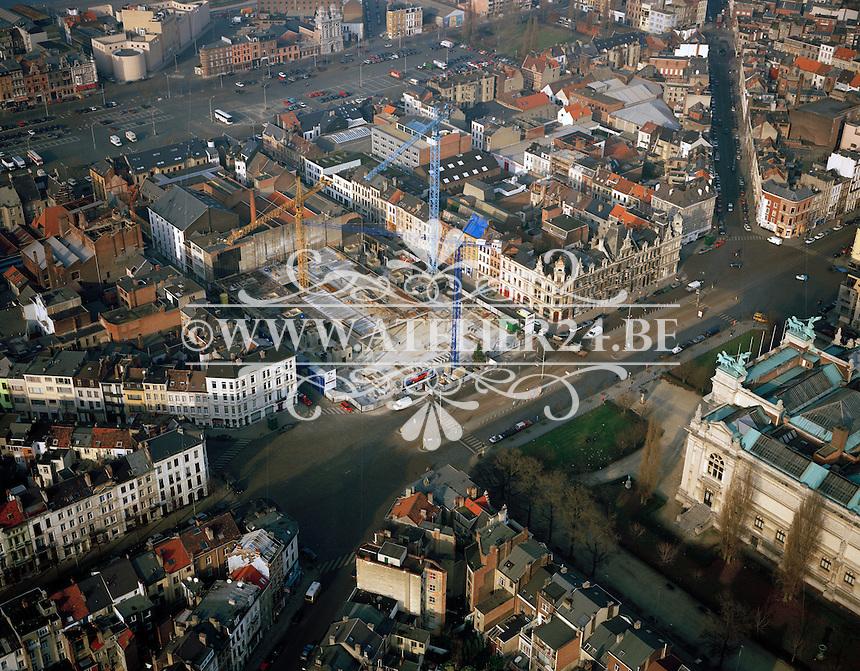 Januari 1996. Bouw van de Hippodroom over het Museum van Schone Kunsten in Antwerpen.