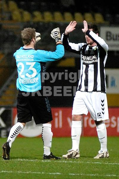 voetbal bv veendam - ado den haag jupiler league 25-01-2008 doelman kum viert de 0-1..fotograaf Jan Kanning..