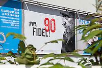 Plakat der Tageszeitung junge Welt anlaesslich des 90. Geburtstag des Cubanischen Revolutionsfuehrers Fidel Castro.<br /> 11.8.2016, Berlin<br /> Copyright: Christian-Ditsch.de<br /> [Inhaltsveraendernde Manipulation des Fotos nur nach ausdruecklicher Genehmigung des Fotografen. Vereinbarungen ueber Abtretung von Persoenlichkeitsrechten/Model Release der abgebildeten Person/Personen liegen nicht vor. NO MODEL RELEASE! Nur fuer Redaktionelle Zwecke. Don't publish without copyright Christian-Ditsch.de, Veroeffentlichung nur mit Fotografennennung, sowie gegen Honorar, MwSt. und Beleg. Konto: I N G - D i B a, IBAN DE58500105175400192269, BIC INGDDEFFXXX, Kontakt: post@christian-ditsch.de<br /> Bei der Bearbeitung der Dateiinformationen darf die Urheberkennzeichnung in den EXIF- und  IPTC-Daten nicht entfernt werden, diese sind in digitalen Medien nach §95c UrhG rechtlich geschuetzt. Der Urhebervermerk wird gemaess §13 UrhG verlangt.]