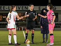Lenie Onzia (8 OHL), match referee Michele Seeldraeyers, match ball sponsor and Noemie Fourdin (11 Charleroi) pictured at the start of a female soccer game between Oud Heverlee Leuven and Sporting de Charleroi on the seventh matchday of the 2020 - 2021 season of Belgian Womens Super League , sunday 15 th of November 2020  in Heverlee , Belgium . PHOTO SPORTPIX.BE | SPP | SEVIL OKTEM