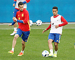 Spain's Sergio Busquets (l) and Thiago Alcantara during training session previous friendly match. May 31,2016.(ALTERPHOTOS/Acero)
