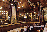 "Europe/France/Ile-de-France/Paris : ""BELLE EPOQUE"" - Restaurant ""Lipp"" 111 boulevard Saint-Germain<br /> PHOTO D'ARCHIVES // ARCHIVAL IMAGES<br /> FRANCE 1990"