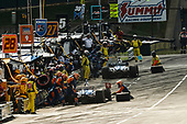 Scott Dixon, Chip Ganassi Racing Honda, Takuma Sato, Rahal Letterman Lanigan Racing Honda, pit stop