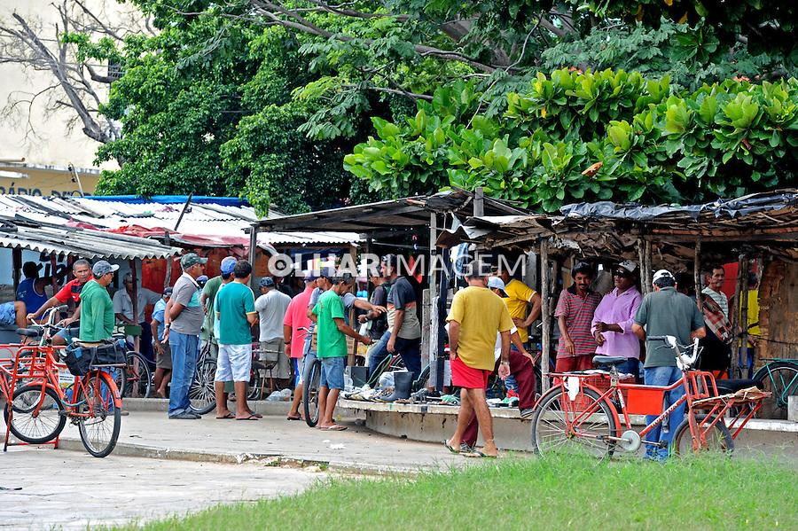 Comercio ambulante na cidade de Parnaiba. Piaui. 2015. Foto de Candido Neto.