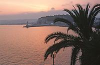France/06/Alpes Maritimes/Nice: Vue sur la rade depuis le Coco Beach