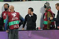 Deutsche Fans holen sich Autogramme von Rekordnationalspieler Lothar Matthäus  - St. Gallen 02.09.2021: Lichtenstein vs. Deutschland, WM-Qualifikation, St. Gallen