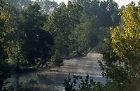 Europe/France/Centre/37/Indre-et-Loire/Env Azay-le-Rideau: Brumes sur la vallée de l'Indre