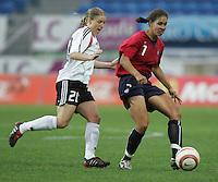 MAR 15, 2006: Faro, Portugal:  Shannon Boxx, Petra Wimbersky