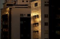Prédios na rua dos mundurucus próximo a Alcindo Caleca.<br /> bairro da Cremação<br /> Belém, Pará, Brasil.<br /> Foto Paulo Santos<br /> 22/02/2014