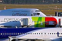 Aviões no aeroporto de Cumbica. São Paulo. 2008. Foto de Juca Martins.
