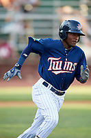 Elizabethton Twins shortstop Yeltsin Encarnacion (17) runs to first base during a game against the Bristol Pirates on July 28, 2018 at Joe O'Brien Field in Elizabethton, Tennessee.  Elizabethton defeated Bristol 5-0.  (Mike Janes/Four Seam Images)
