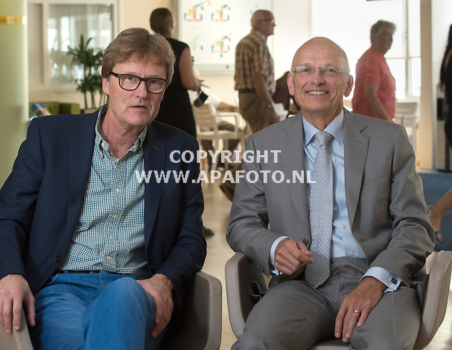 180816 - Doetinchem - Foto Ruben Meijerink / APA FOTO<br /> Chris van Ewijk (bestuurder) en Pim Mooij, gynaecoloog en voorzitter van het Medisch Specialistisch Bedrijf (MSB = het collectief van alle maatschappen in het ziekenhuis) in het ziekenhuis.