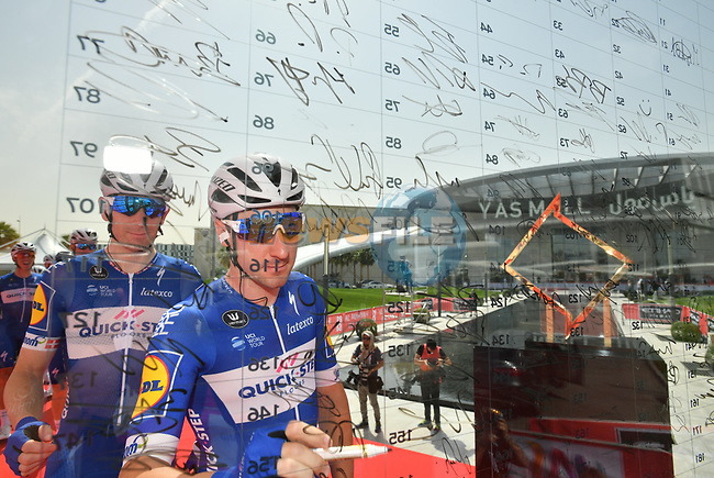 Elia Viviani (ITA) Quick-Step Floors at sign on before the start of Stage 2 of the 2018 Abu Dhabi Tour, Yas Island Stage running 154km from Yas Mall to Yas Beach, Abu Dhabi, United Arab Emirates. 22nd February 2018.<br /> Picture: LaPresse/Massimo Paolone   Cyclefile<br /> <br /> <br /> All photos usage must carry mandatory copyright credit (© Cyclefile   LaPresse/Massimo Paolone)