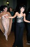 MARISELA FEDERICO CON ANNA COLIVA<br /> BALLO DI BENEFICENZA AIRC A PALAZZO ALTIERI ROMA 2002