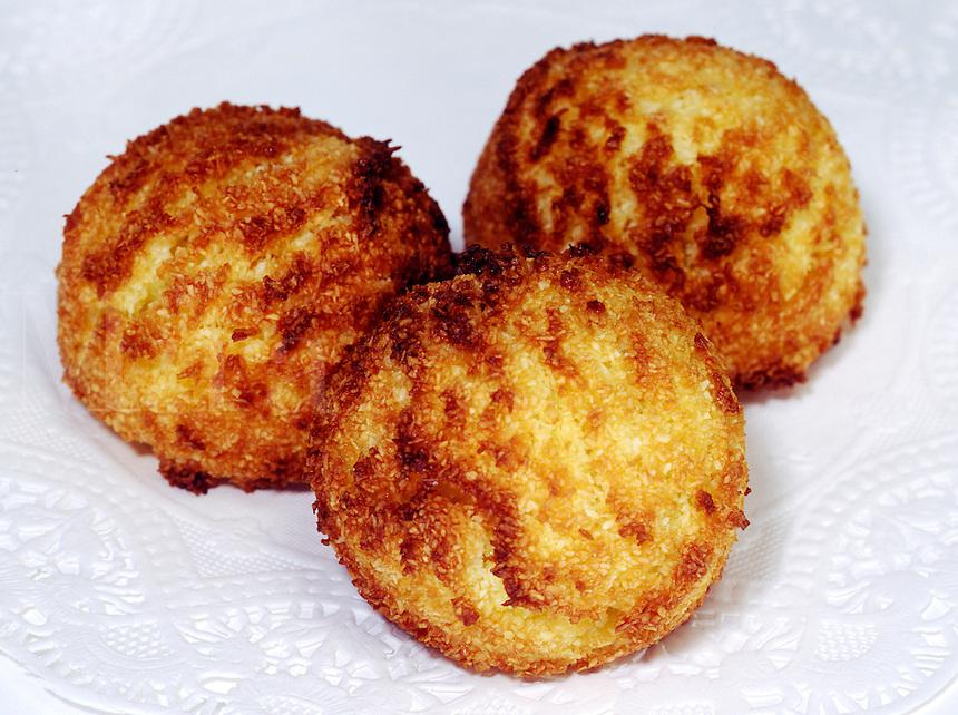 MACAROON COCONUT COOKIES