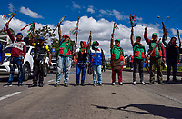 BOGOTA - COLOMBIA, 04-12-2019: Miles de manifestantes salieron a las calles de Bogotá para unirse a la  jornada de paro Nacional en Colombia hoy, 4 de diciembre de 2019. La jornada Nacional es convocada para rechazar el mal gobierno y las decisiones que vulneran los derechos de los Colombianos. / Thousands of protesters took to the streets of Bogota to join the National Strike day in Colombia today, December 4, 2019. The National Strike is convened to reject bad government and decisions that violate the rights of Colombians. Photo: VizzorImage / Nicolas Aleman / Cont