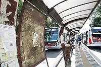 SÃO PAULO, SP, 24.05.2021 - CIDADE-SP - Vista de parada de ônibus localizado na Avenida Santo Amaro Zona Sul de São Paulo nesta segunda-feira 24. (Foto: Andre Ribeiro/Brazil Photo Press)