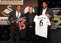 Pictured: Wayne Routledge and Ashley Williams with sponsor Wednesday 20 May 2015<br />
