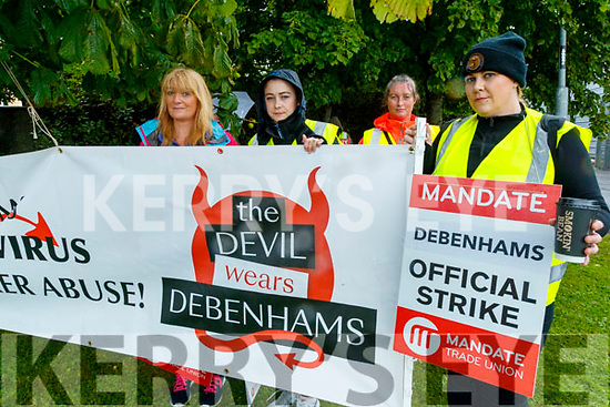Caroline Stack, Amy Hourigan, Deirdre Mangan and Sabrina Kelly, former Debenhams staff, protesting outside the Manor Store, Tralee, on Wednesday last.