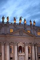 Una veduta della Basilica di San Pietro in occasione dell'apertura del Conclave per l'elezione del nuovo Papa della Chiesa Cattolica Romana, Citta' del Vaticano, 12 marzo 2013. .A view of St. Peter's Basilica in occasion of the opening of the Conclave for the election of the new Pope of the Roman Catholic Church, at the Vatican, 12 March 2013..UPDATE IMAGES PRESS/Isabella Bonotto STRICTLY FOR EDITORIAL USE ONLY - STRICTLY FOR EDITORIAL USE ONLY