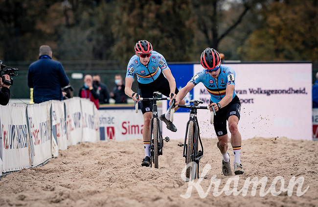 Eli Iserbyt (BEL/Pauwels Sauzen-Bingoal) on his way to becoming European Champion, followed closely by teammate Michael Vanthourenhout (BEL/Pauwels Sauzen-Bingoal)<br /> <br /> UEC Cyclocross European Championships 2020 - 's-Hertogenbosch (NED)<br /> <br /> Elite MEN<br /> <br /> ©kramon