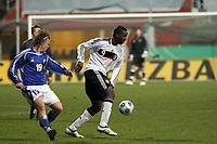 Richard Sukuta-Pasu (Leverkusen) gegen Petteri Forsell (FIN, Vaasa PS)<br /> Deutschland vs. Finnland, U19-Junioren<br /> *** Local Caption *** Foto ist honorarpflichtig! zzgl. gesetzl. MwSt. Auf Anfrage in hoeherer Qualitaet/Aufloesung. Belegexemplar an: Marc Schueler, Am Ziegelfalltor 4, 64625 Bensheim, Tel. +49 (0) 151 11 65 49 88, www.gameday-mediaservices.de. Email: marc.schueler@gameday-mediaservices.de, Bankverbindung: Volksbank Bergstrasse, Kto.: 151297, BLZ: 50960101