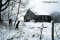 WT08-004z  Old barn, snow, winter, Maine