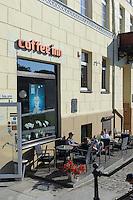 Café auf der Tiltu gatve in Klaipeda, Litauen, Europa