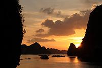 , Vietnam - 2007 File Photo -<br /> sunset on<br /> Ha Long Bay<br /> <br /> <br /> <br /> photo : James Wong-  Images Distribution