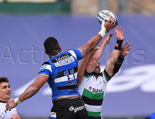 21st November 2020; Recreation Ground, Bath, Somerset, England; English Premiership Rugby, Bath versus Newcastle Falcons; Michael Young of Newcastle Falcons competes in the air for the ball with Joe Cokanasiga of Bath