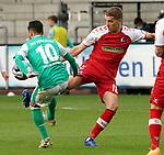 17.10.2020, Schwarzwald Stadion, Freiburg, GER, 1.FBL, SC Freiburg vs SV Werder Bremen<br /><br />im Bild / picture shows<br />Leonardo Bittencourt (Bremen), Nils Petersen (Freiburg)<br /><br /><br />Foto © nordphoto / Bratic<br /><br />DFL REGULATIONS PROHIBIT ANY USE OF PHOTOGRAPHS AS IMAGE SEQUENCES AND/OR QUASI-VIDEO.