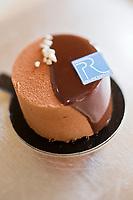 Europe/France/Rhône-Alpes/74/Haute-Savoie/Annecy: La Pirouette - Pâtisserie de Philippe Rigollot - Pâtisserie: Philippe Rigollot, 1, place Georges Volland.