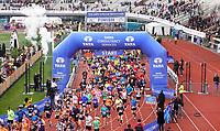 Nederland - Amsterdam - 2019 . De Marathon van Amsterdam. De start in het Olympisch Stadion. Foto Berlinda van Dam / Hollandse Hoogte
