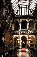 Europe/Belgique/Flandre/Province d'Anvers/Anvers : L'Hôtel de Ville (XVI°)- Détail de l'escalier intérieur