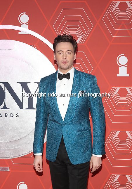Erich Bergen attends the 74th Tony Awards-Broadway's Back! arrivals at the Winter Garden Theatre in New York, NY, on September 26, 2021. (Photo by Udo Salters/Sipa USA)