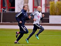 26.03.2018,  Football 1.Liga 2017/2018,  FC Bayern Muenchen Training an Saebenerstrasse in Muenchen. re: Arjen Robben (FC Bayern Muenchen)  Sprinttraining and dem Physiotherapeuten. *** Local Caption *** © pixathlon