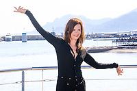 Caroline Proust pose lors du photocall d ENGRENAGES pendant le MIPTV a Cannes, le lundi 3 avril 2017.