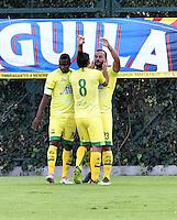 BOGOTA - COLOMBIA -05 -11-2016: Los jugadores de Atletico Bucaramanga, celebran el gol anotado a La Equidad, durante partido entre La Equidad y Atletico Bucaramanga, por la fecha 19 de la Liga Aguila II-2016, jugado en el estadio Metropolitano de Techo de la ciudad de Bogota. / The players of Atletico Bucaramanga, celebrates a scored goal to La Equidad, during a match La Equidad and Atletico Bucaramanga, for the  date 19 of the Liga Aguila II-2016 at the Metropolitano de Techo Stadium in Bogota city, Photo: VizzorImage  / Luis Ramirez / Staff.