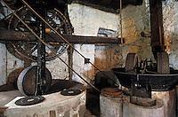 Europe/France/Corse/2A/Corse-du-Sud/Sainte Lucie de Tallano: le vieux moulin à huile des oléiculteurs de l'Alta-Rocca détail de l'interieur