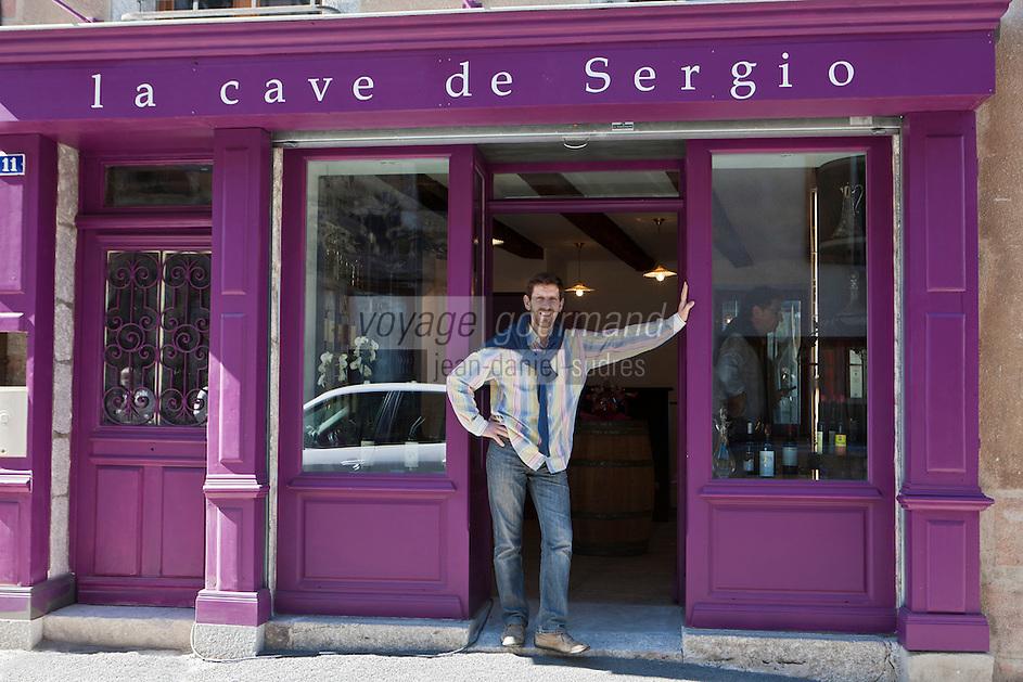Europe/France/Midi-Pyrénées/12/Aveyron/Aubrac/Laguiole: La Cave de Sergio - Cave de Sergio Calderon -Sommelier de Bras