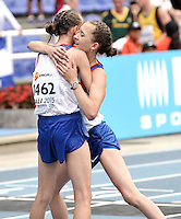 CALI - COLOMBIA - 18-07-2015: Olga Sliseeva y Margarita Kolesnichenko de Rusia, durante la prueba de los 5000 metros en el estadio Pascual Guerrero sede, sede de IAAF Campeonatos Mundiales de la Juventud Cali 2015.  / Olga Sliseeva y Margarita Kolesnichenko of Russia, during the test of 5000 meters in the Pascual Guerrero home of the IAAF World Youth Championships Cali 2015. Photos: VizzorImage / Luis Ramirez / Staff.