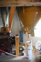 Mahlwerk in der roten Greetsieler Zwillingsmühle