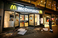 Angry mob smashed the windows of a McDonald's restaurant. Pro-Palestinian protesters clashed with police as they held another demonstration against Israel in the Norwegian capital Oslo. Violent clashes lasted for hours  in the centre of Oslo. Israeli forces began a series of air strikes on the Gaza Strip on the 27th of December in retaliation against Hamas rockets fired into Israel. After eight days of bombardment, leaving over 400 Palestinians and four Israelis dead, Israeli tanks launched a ground invasion on the 4th of January.